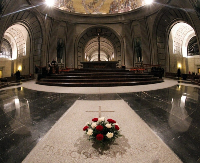 Spanish parliament votes in favour of moving the mortal remains of Franco