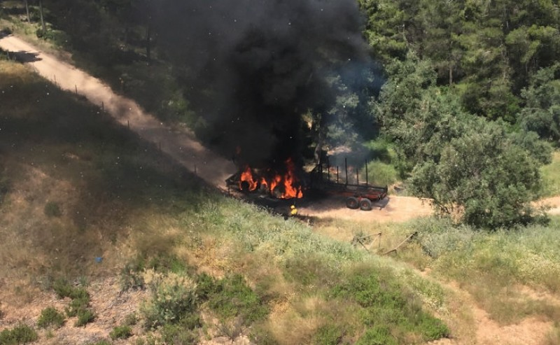 <span style='color:#780948'>ARCHIVED</span> - Mula tractor fire extinguished without damage to pines