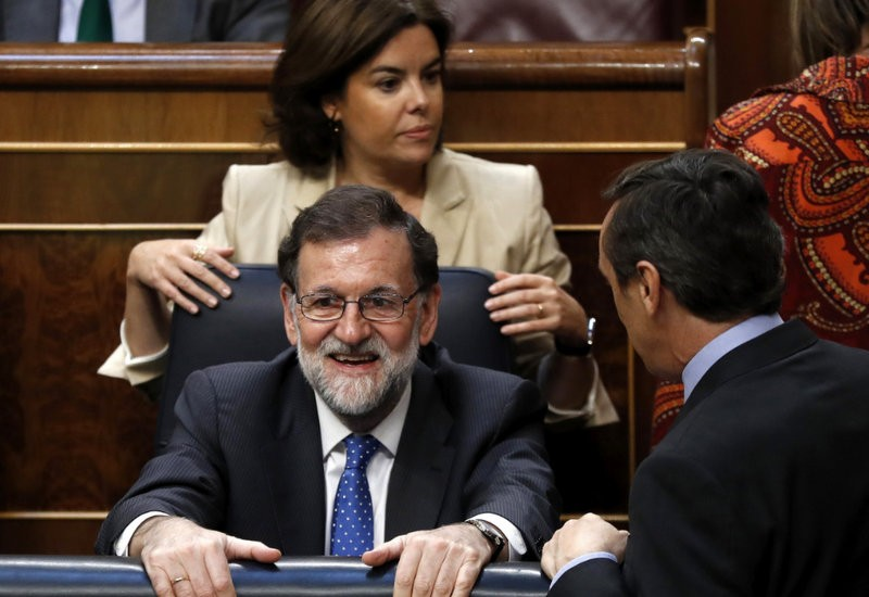 <span style='color:#780948'>ARCHIVED</span> - Comic scenes in Congress as Spanish PM accidentally votes against his own budget amendment