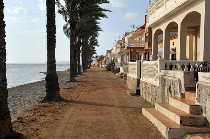 <span style='color:#780948'>ARCHIVED</span> - Temporary seafront promenade to be laid in Los Urrutias