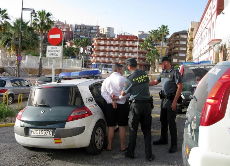 <span style='color:#780948'>ARCHIVED</span> - Romanian cashpoint fraudster detained in the Puerto de Mazarrón