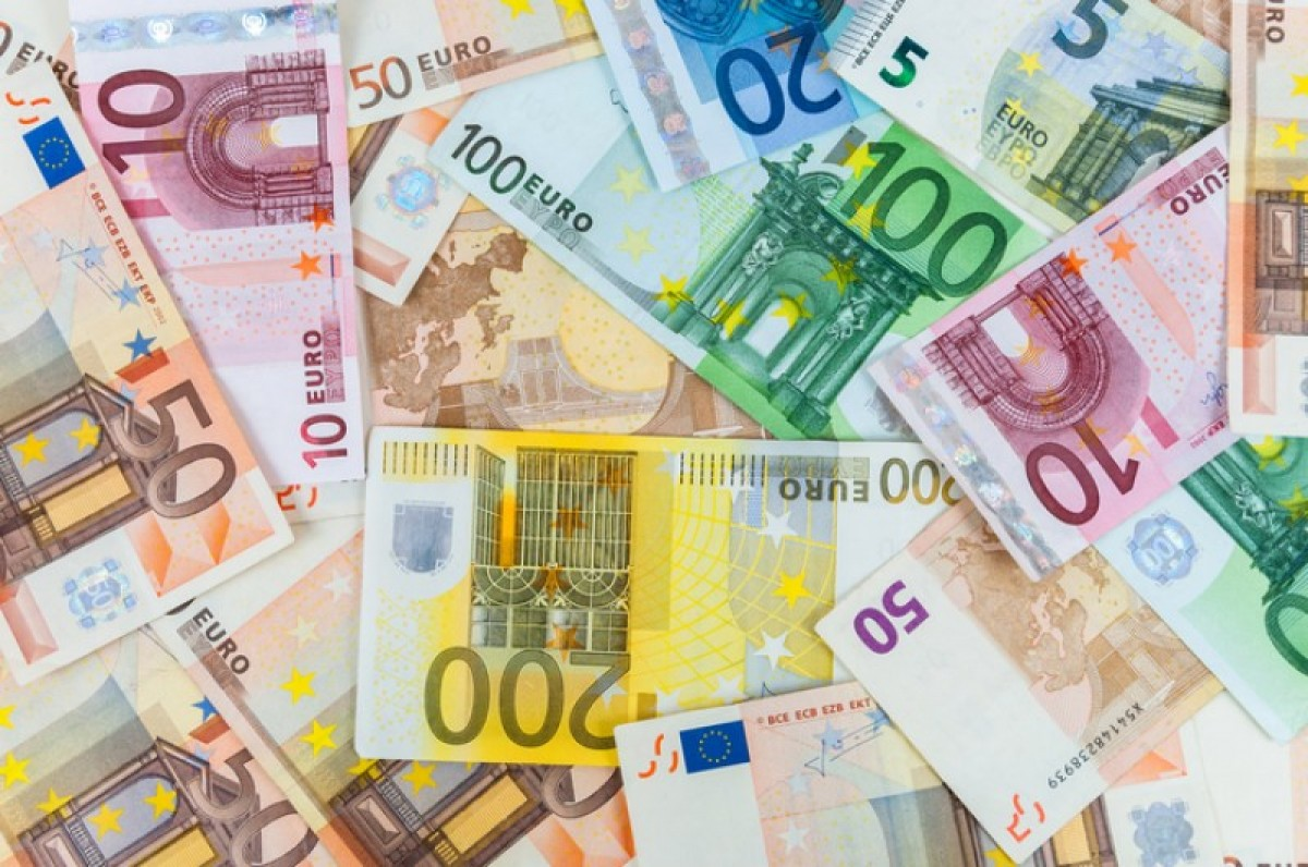 Save money when converting to euros with these 10 tips from Berry FX