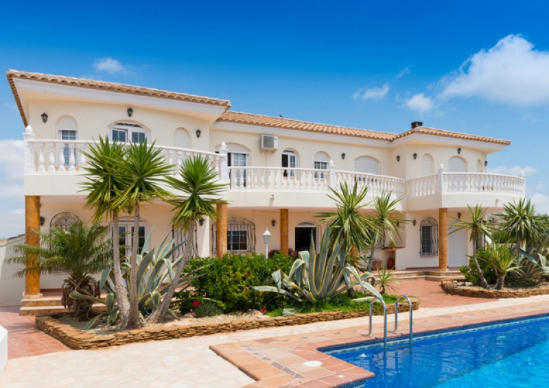 Notaries confirm Easter effect on activity in the Spanish property market