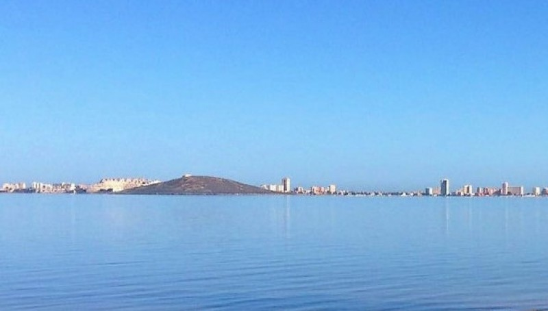 Expert recommends more salt to clear the water of the Mar Menor
