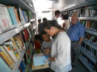 The bibliobus mobile library is in San Pedro del Pinatar on Thursdays