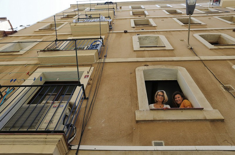 <span style='color:#780948'>ARCHIVED</span> - Barcelona woman recovers her own apartment by paying to rent it on Airbnb