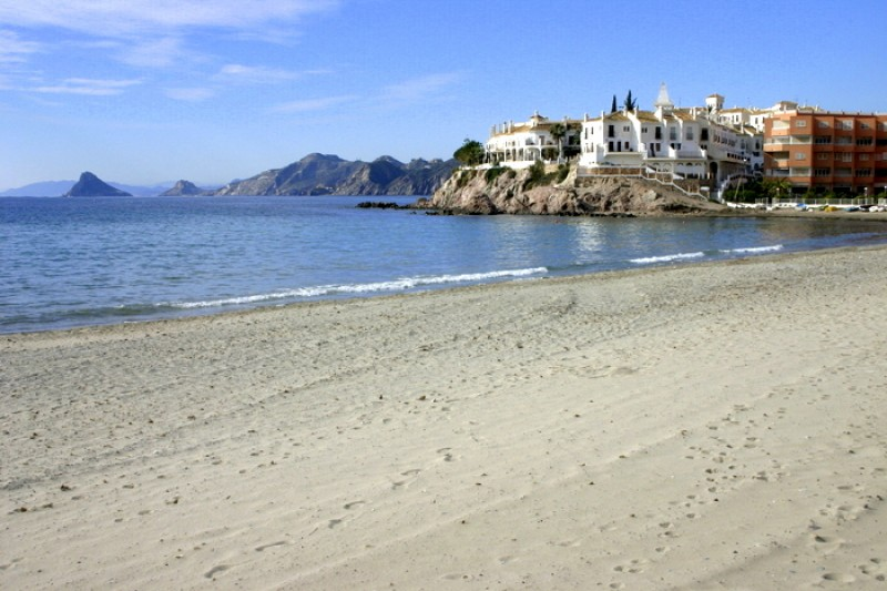 Blue flag and Q for Quality beaches in the municipality of Águilas 2017