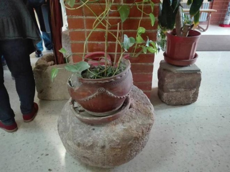 Roman artifacts used as flowerpots in Las Torres de Cotillas