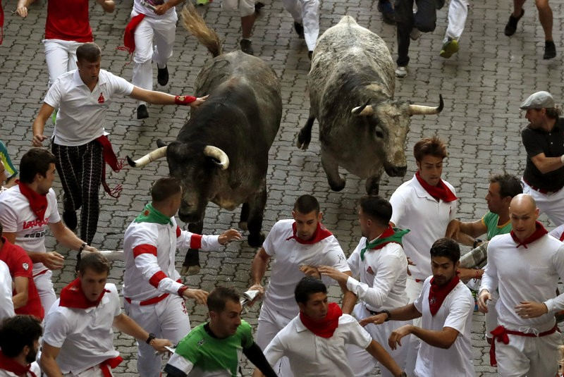 Three gored in first Pamplona San Fermín bull run of 2017
