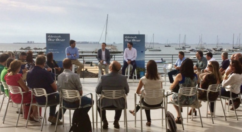 Mar Menor clean-up campaign taken to the beaches and marinas of the lagoon