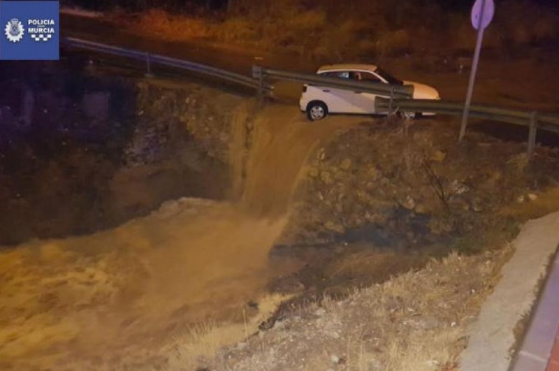 <span style='color:#780948'>ARCHIVED</span> - Localized flooding throughout Murcia as storms strike the Costa Cálida
