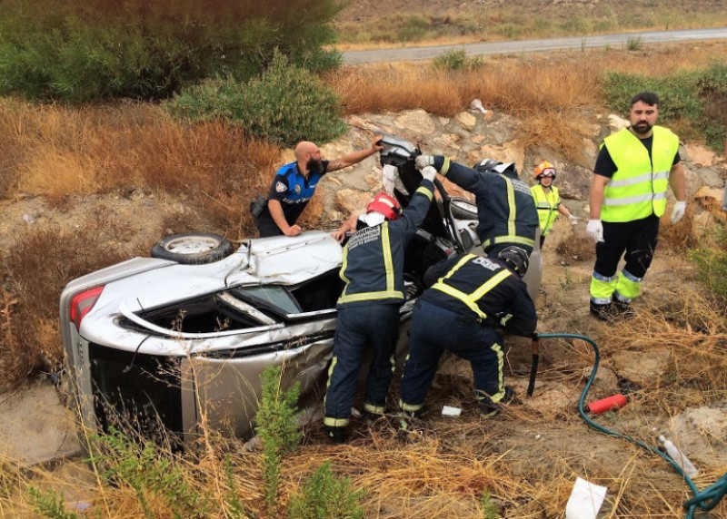 <span style='color:#780948'>ARCHIVED</span> - Four injured in car crash near Camposol
