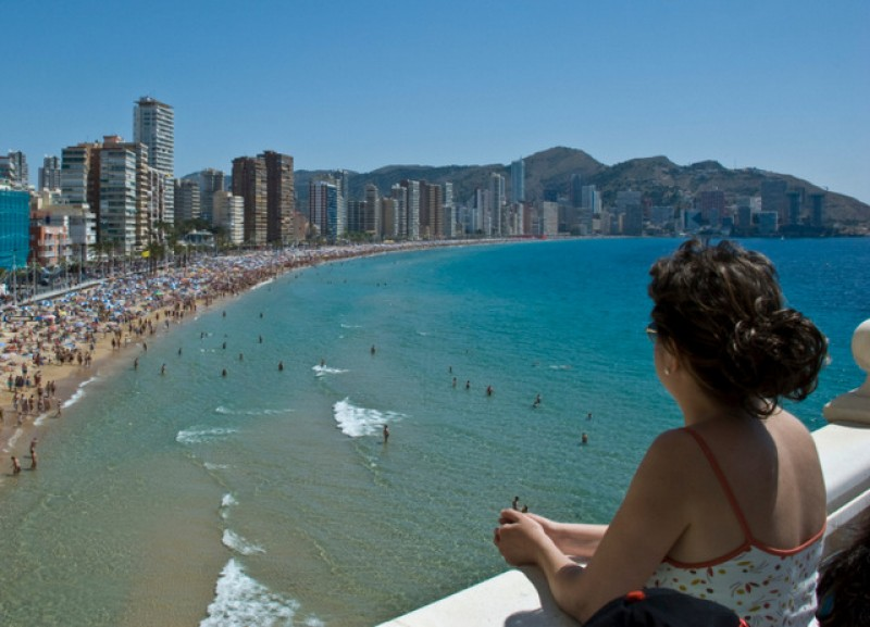 2.3 million British visitors came to Spain in July