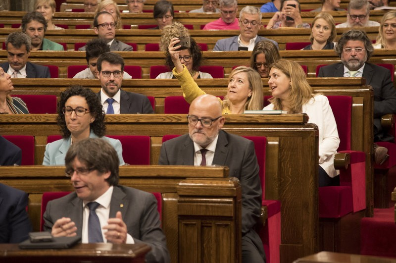 Tension in Catalan parliament as D-day nears for independence referendum plans