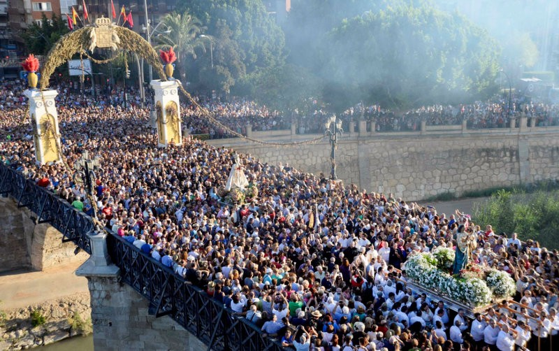 800,000 people accompany the Virgen de la Fuensanta in the Murcia Romería