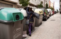 Abandoned baby found alive in Ourense rubbish container