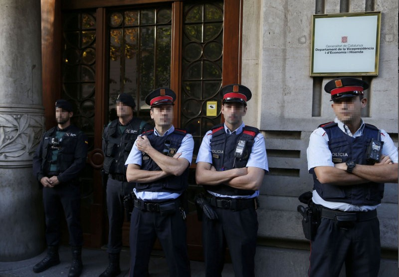 <span style='color:#780948'>ARCHIVED</span> - 12 Catalan government staff arrested in anti-referendum swoop