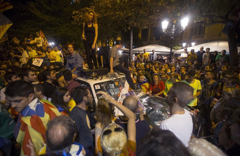 <span style='color:#780948'>ARCHIVED</span> - Tension mounts in Catalunya as the independence referendum appears increasingly unviable