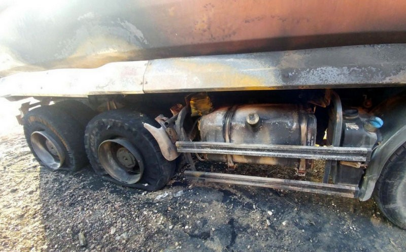 <span style='color:#780948'>ARCHIVED</span> - High-speed rail sabotage suspected as lorries are burnt in Murcia