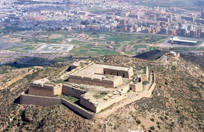 Contract awarded to clean up and repair the La Atalaya castle in Cartagena