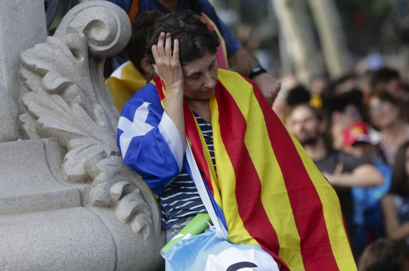 Confusion as Catalunya declares independence and then places it on hold