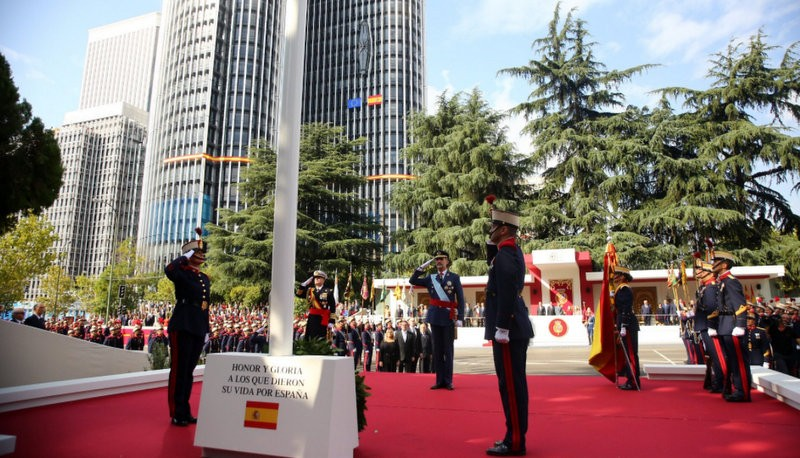 Patriotic fervour at the 12th October parade in Madrid and other events all over Spain