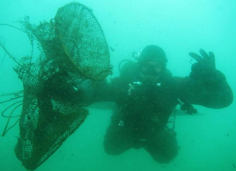 <span style='color:#780948'>ARCHIVED</span> - Divers remove a ton of rubbish from the Bay of Mazarrón