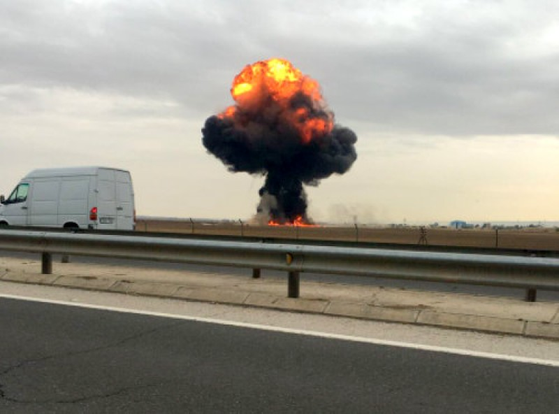 <span style='color:#780948'>ARCHIVED</span> - Murcia pilot dies as F-18 fighter jet crashes on take-off in Madrid