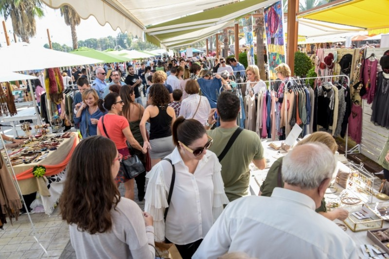 Arts, Crafts, Gastronomy, Fashion and Entertainment at Rin Ran market, El Palmar, Murcia