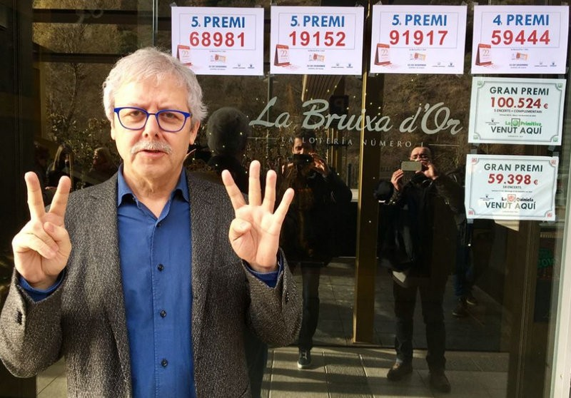 The busiest lottery office in Spain joins the flood of businesses leaving Catalunya