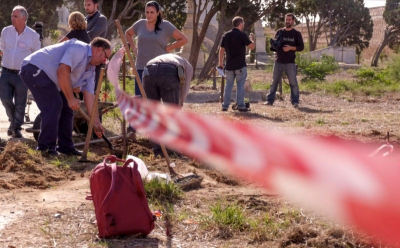 <span style='color:#780948'>ARCHIVED</span> - Exhumations begin to clarify 46 stolen baby cases in Cádiz