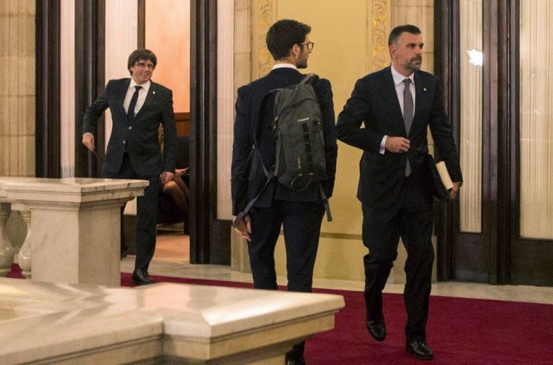 <span style='color:#780948'>ARCHIVED</span> - Catalan president confounds expectations again