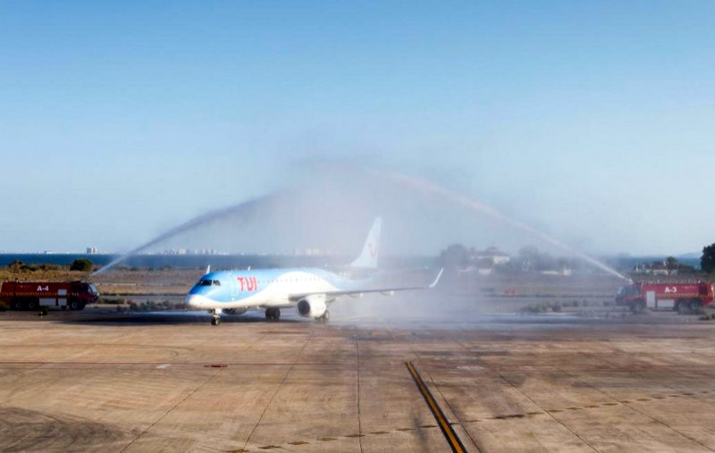 <span style='color:#780948'>ARCHIVED</span> - Winter flights to Brussels and Leeds-Bradford inaugurated at San Javier airport