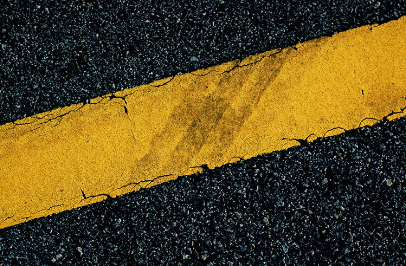 3,000-euro fine for allegedly painting 4-metre yellow line in Bullas