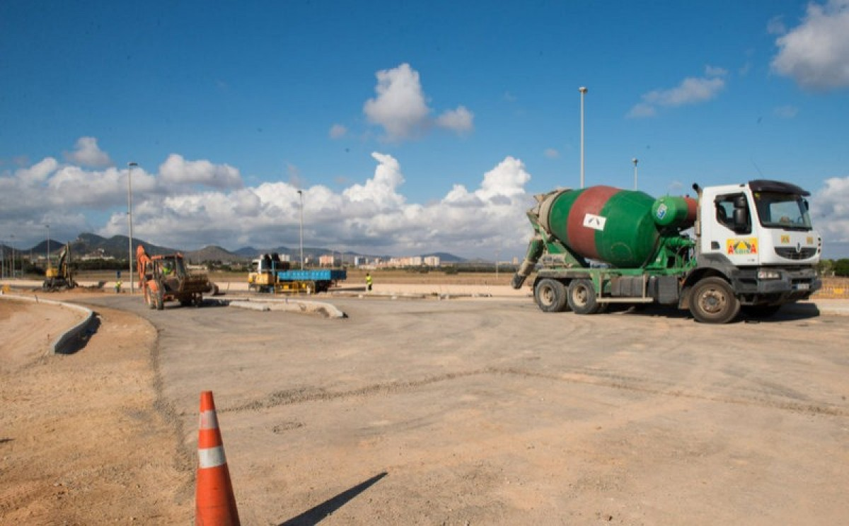 Traffic disruption on the road out of La Manga until Wednesday