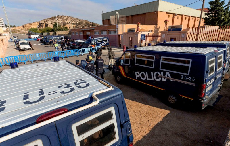 <span style='color:#780948'>ARCHIVED</span> - Over 400 illegal immigrants re-housed from Murcia to unopened Málaga jail