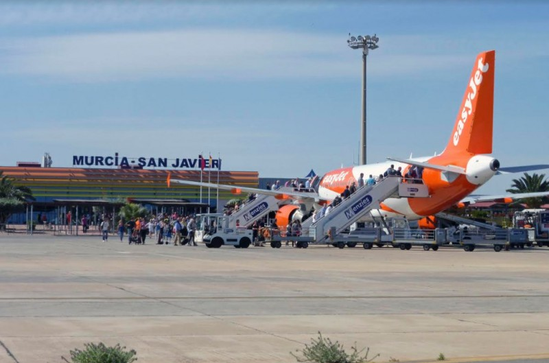 San Javier airport passenger numbers up for the 14th consecutive month