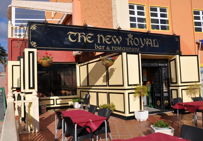 <span style='color:#780948'>ARCHIVED</span> - 17th August Suzy G at The New Royal Puerto de Mazarron