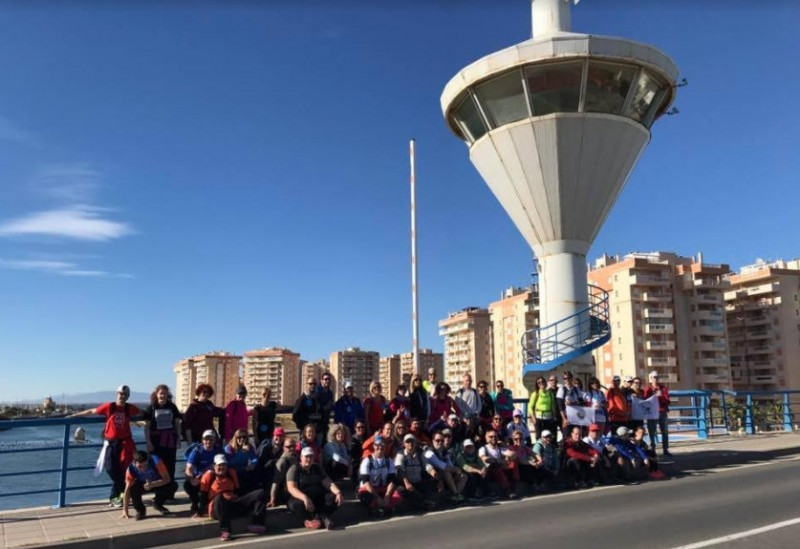 15 disabled among the 60 to complete the first walk of Sin Límites 2018