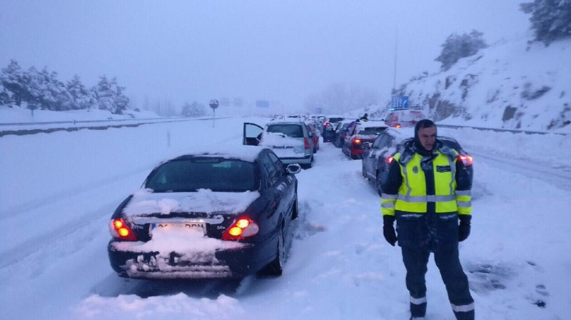 More motorway chaos as central and northern Spain shivers in the snow