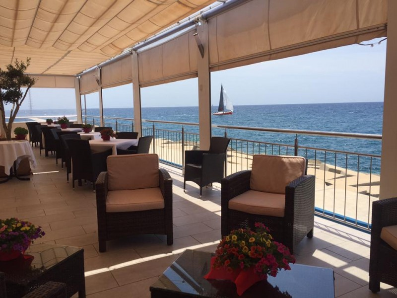 Leonardo sul Mare: fabulous Med views with Italian pasta and pizza specials in Puerto de Mazarrón