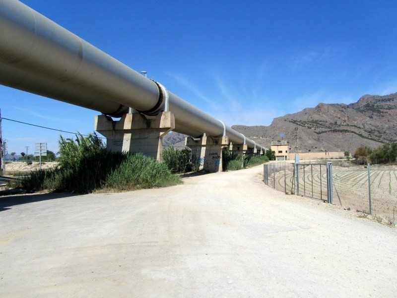 <span style='color:#780948'>ARCHIVED</span> - Drought relief for Murcia with the first water transfer for 11 months