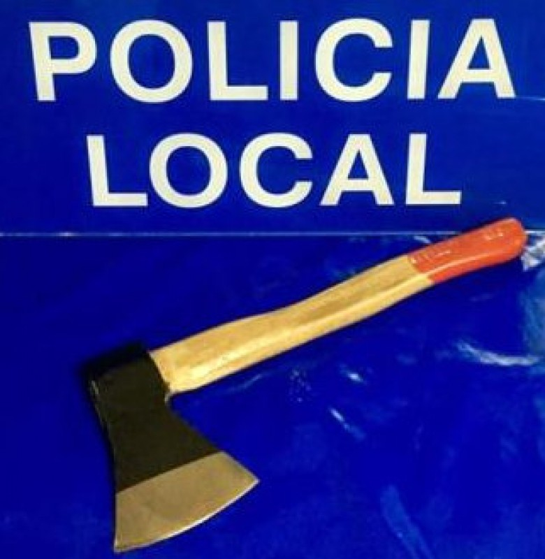 Axe-wielding Chinaman arrested in Cieza