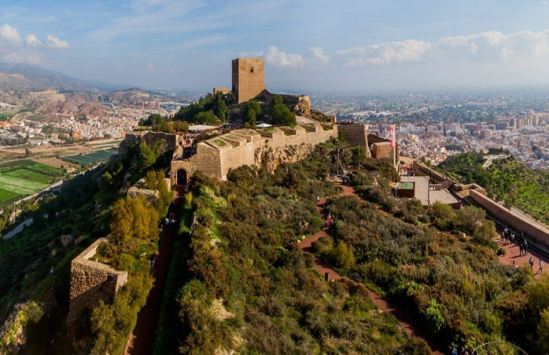 5,000-year-old ceramics and a Stone axe found on Lorca castle hill