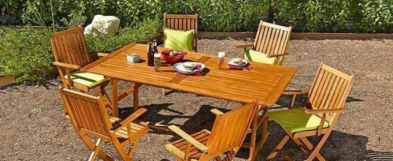 Top tips for sprucing up wooden garden furnishings