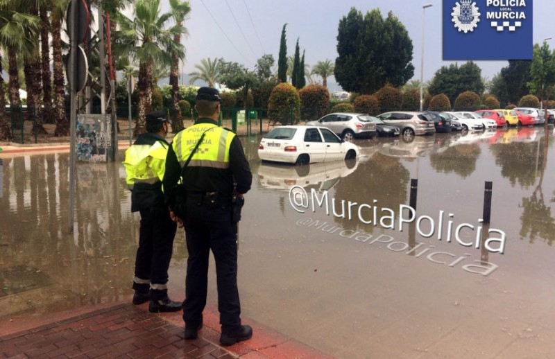 Thunderstorms bring localized flooding to Murcia and Lorca