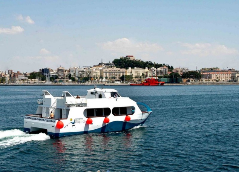 <span style='color:#780948'>ARCHIVED</span> - Cartagena tourist boat to collaborate in coastal clean-up on 26th May