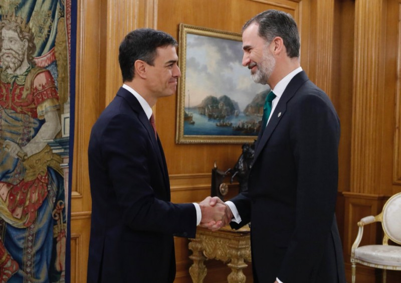 New Spanish PM takes office amid uncertainty over public investment in infrastructures