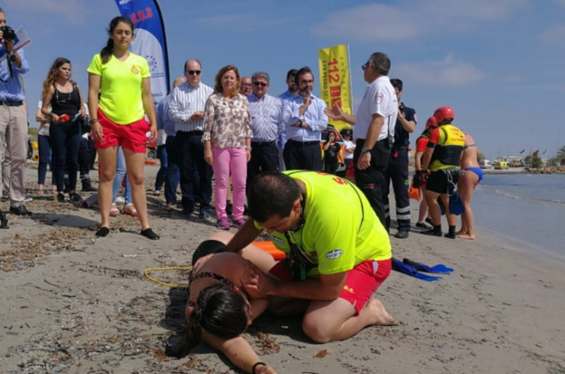 250 lifeguards and other staff in the Murcia government beach safety program this summer