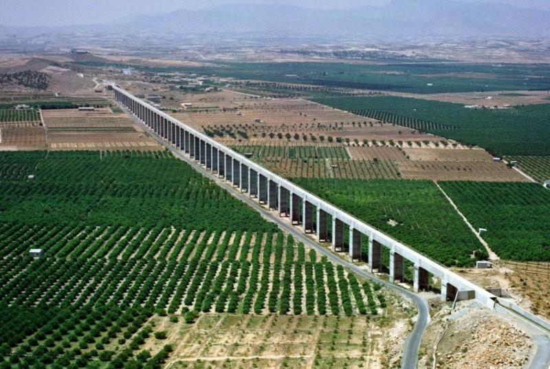 """<span style='color:#780948'>ARCHIVED</span> - Murcia politicians sign """"Water Pact"""" as Castilla-La Mancha attempts to close the supply canal"""
